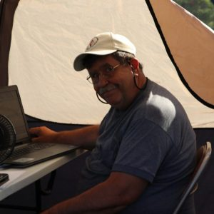 Steve VA3TPS making contacts and keeping cool in his tent