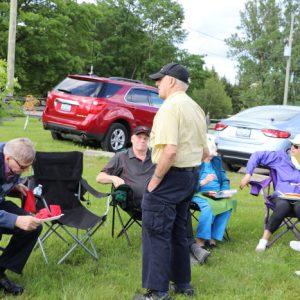 Dave VA3RLP (center) talks with Ralph VE3CRK, Jeffrey VA3RTV, June, Louis and Jackie VA3BTQ.