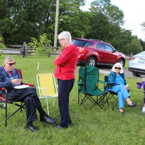 Ralph VE3CRK and Dave's Wife (left) chat while June, Louis and Jackie VA3BTQ (right) all discuss.