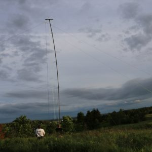 That antenna sure is high up in the sky! Great team work.